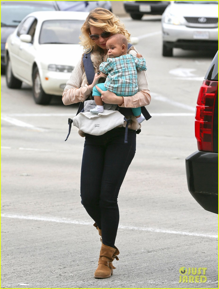 katherine heigl takes off with baby adalaide 06