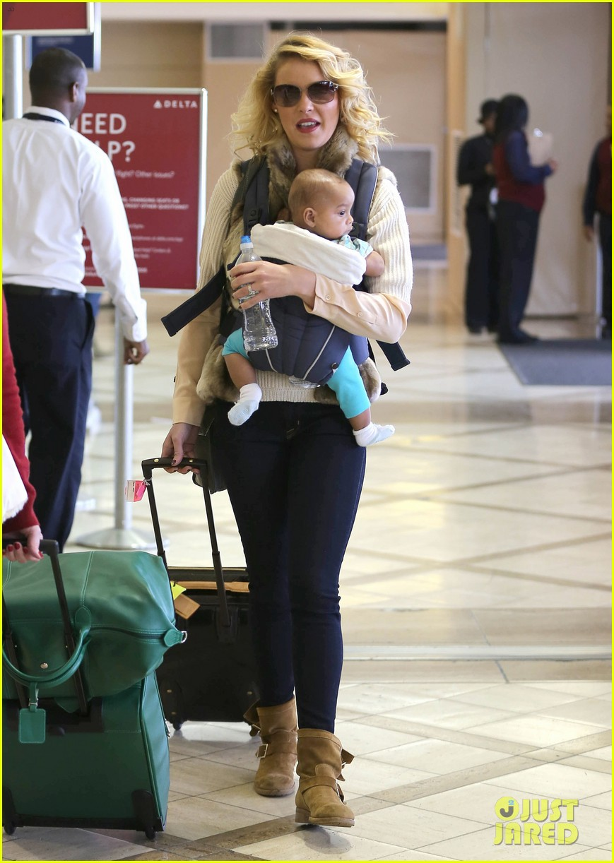 katherine heigl takes off with baby adalaide 15