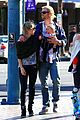 chris hemsworth elsa pataky palm springs stroll with india 16