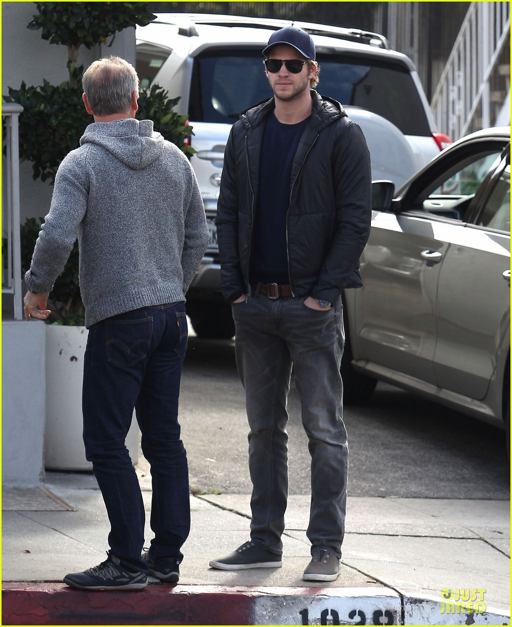 chris hemsworth & elsa pataky sunday lunch with liam hemsworth 14
