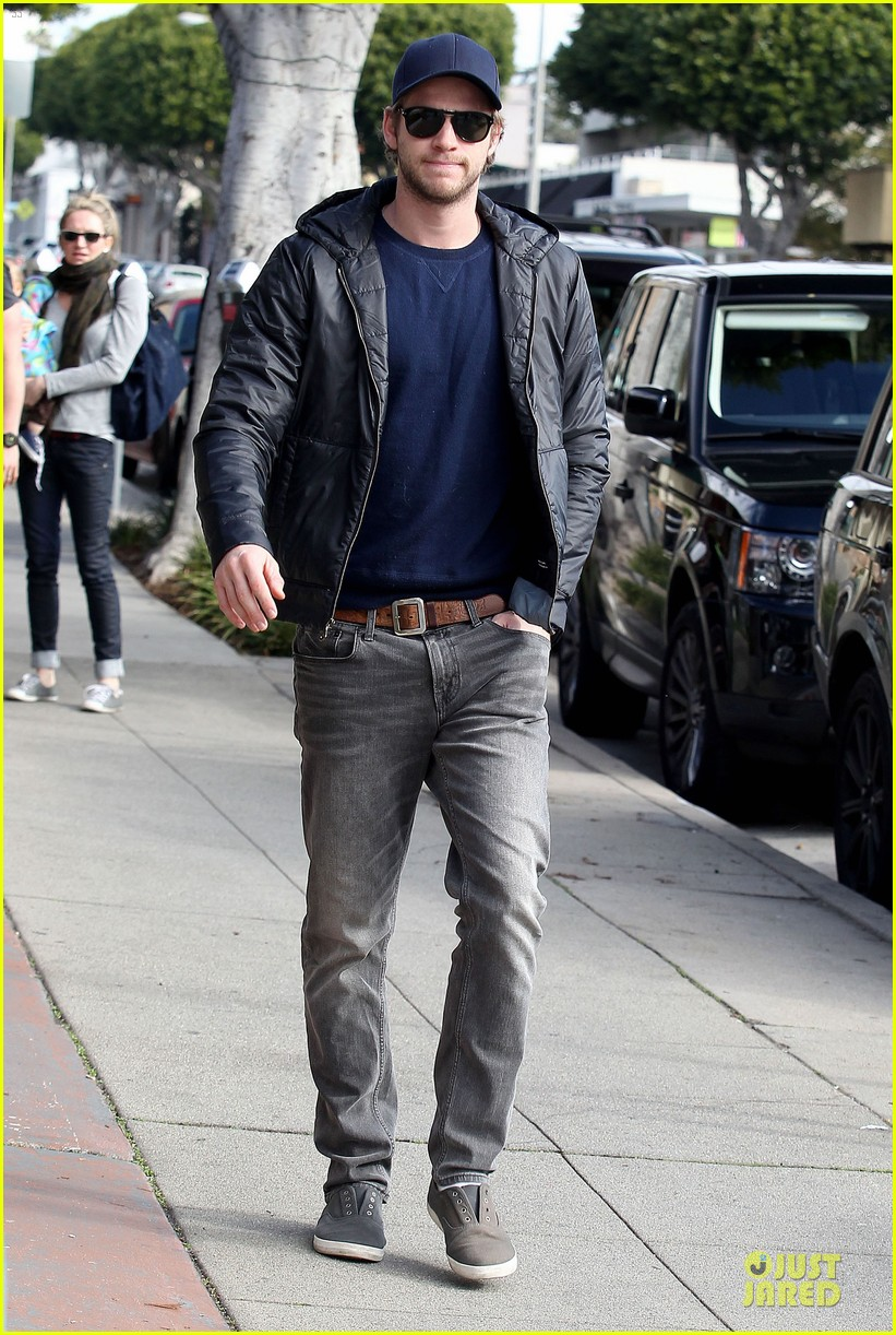 chris hemsworth & elsa pataky sunday lunch with liam hemsworth 20