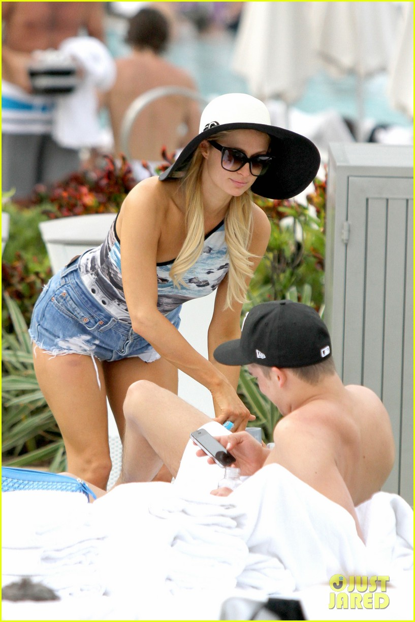 paris hilton shirtless river viiperi miami pool pair 23