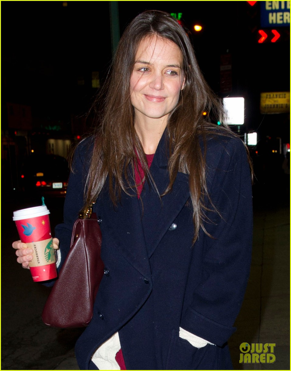 katie holmes broadway play dead accounts sets early closing 05