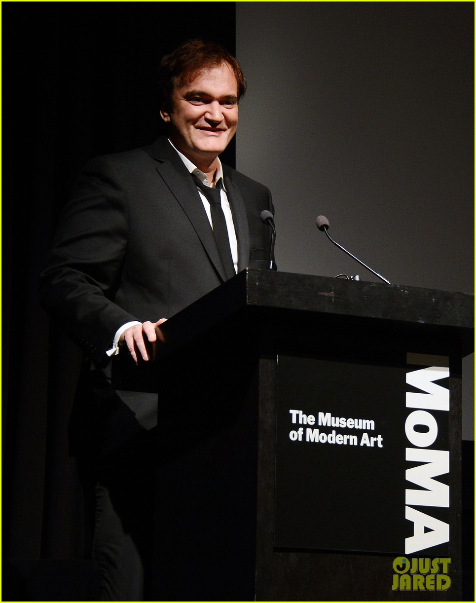 katie holmes honors quentin tarantino at the moma 03