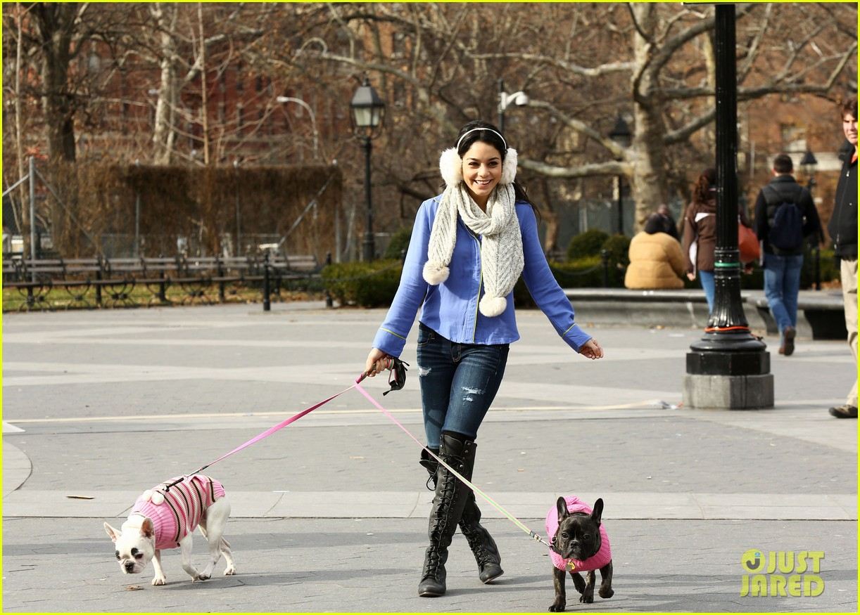 vanessa hudgens big apple dog walk 05