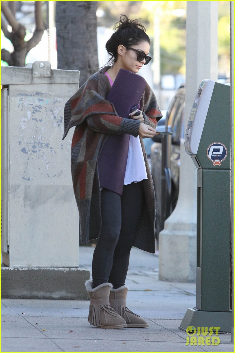 vanessa hudgens post christmas yoga class 09