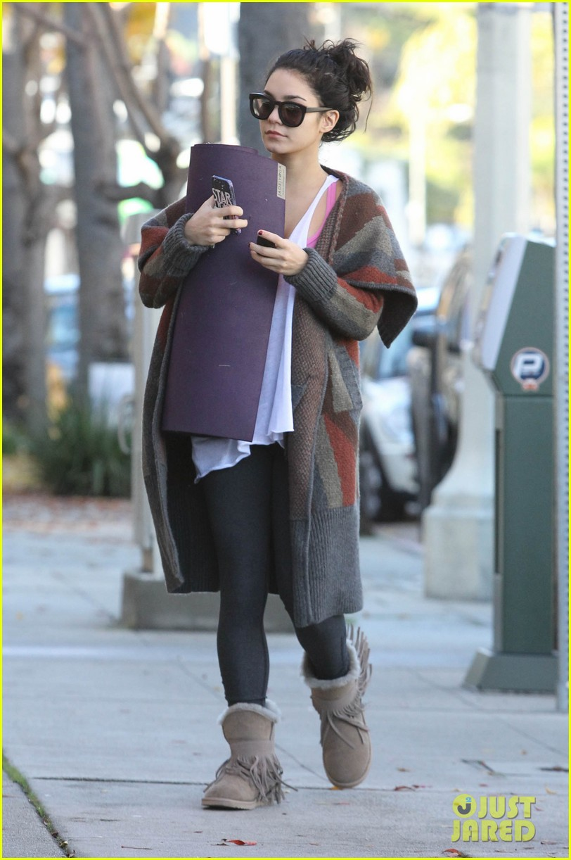 vanessa hudgens post christmas yoga class 13