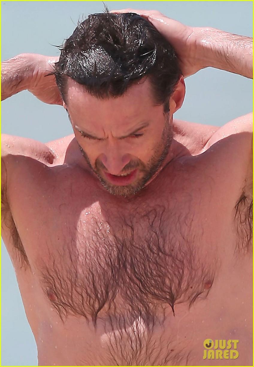 hugh jackman shirtless stud at bondi beach 04