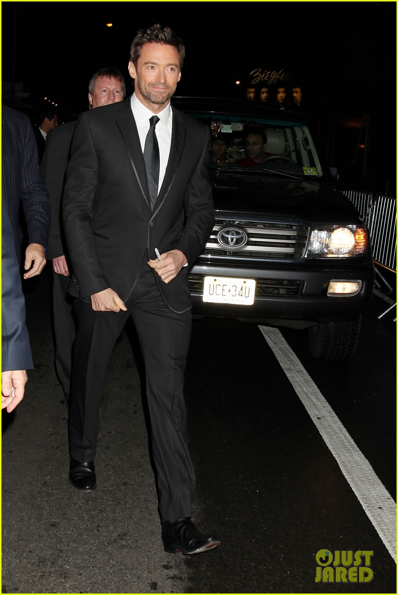 hugh jackman russell crowe les miserables nyc premiere 17