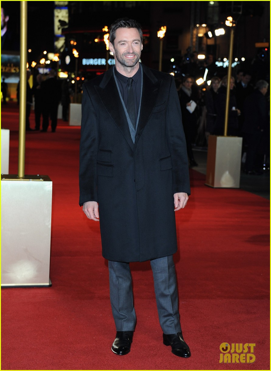 hugh jackman russell crowe les miserables world premiere 072769702