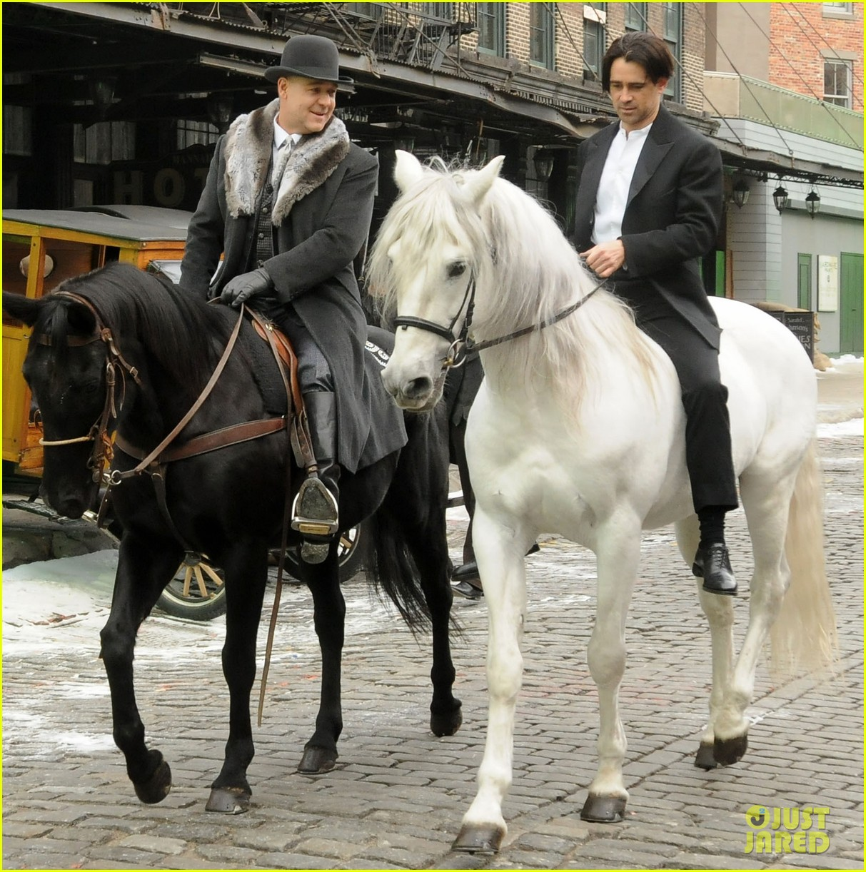 hugh jackman visits russell crowe on winters tale set 03