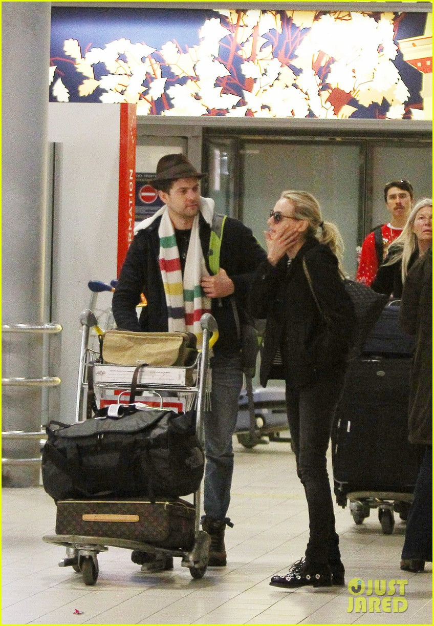 joshua jackson diane kruger christmas eve in paris 012780703