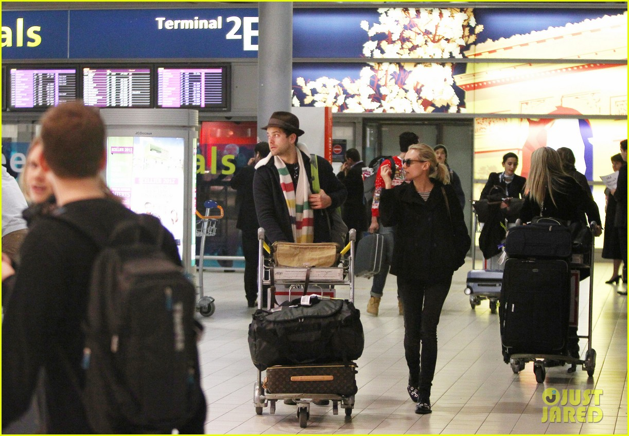 joshua jackson diane kruger christmas eve in paris 092780711