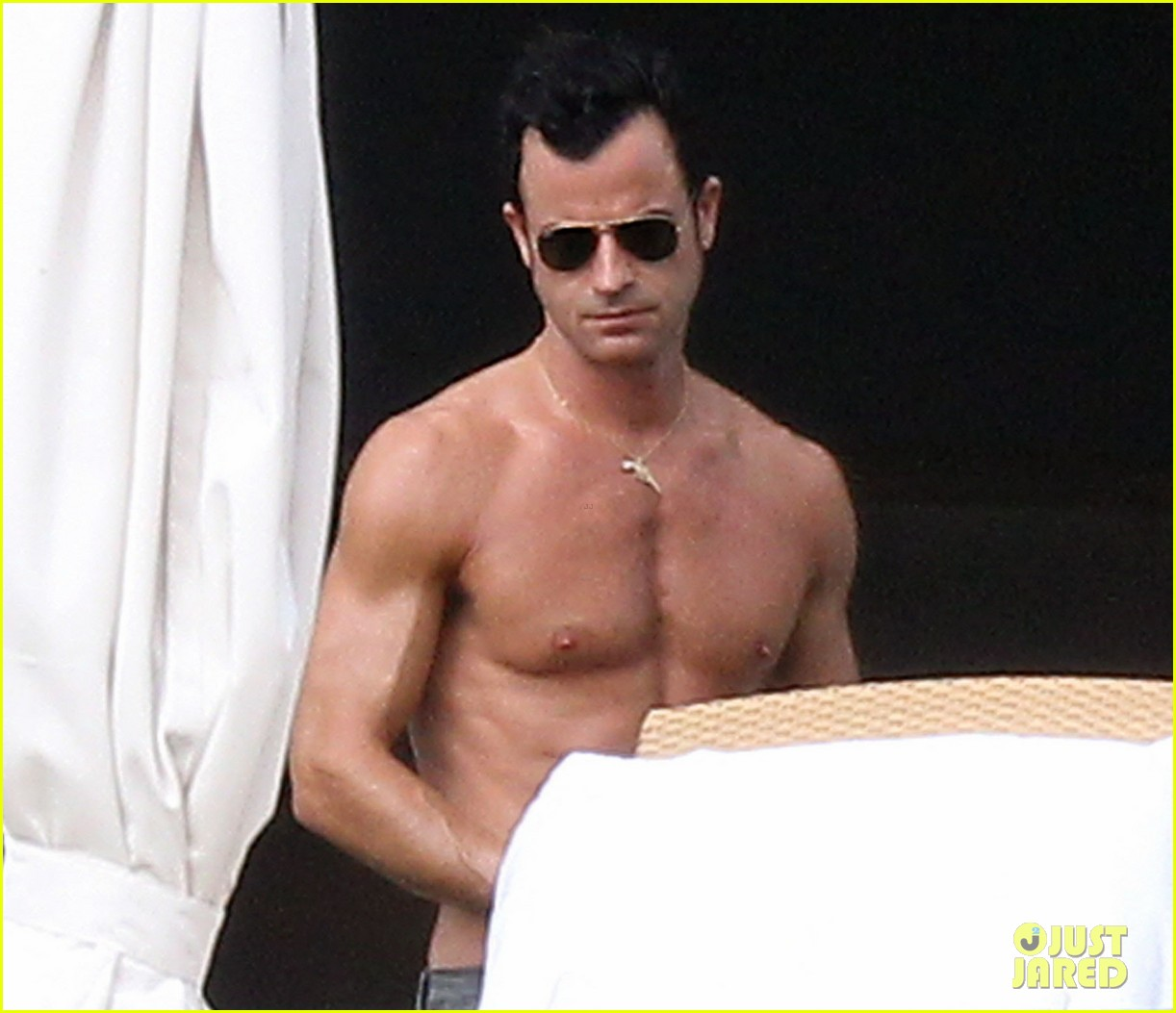 jennifer aniston bikini tanning with justin theroux 252781439