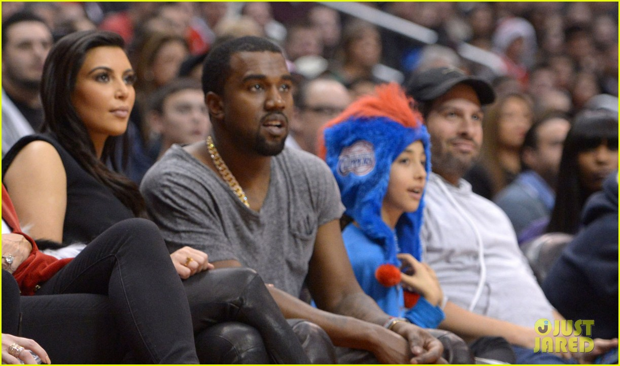 kim kardashian kanye west christmas clippers game 02