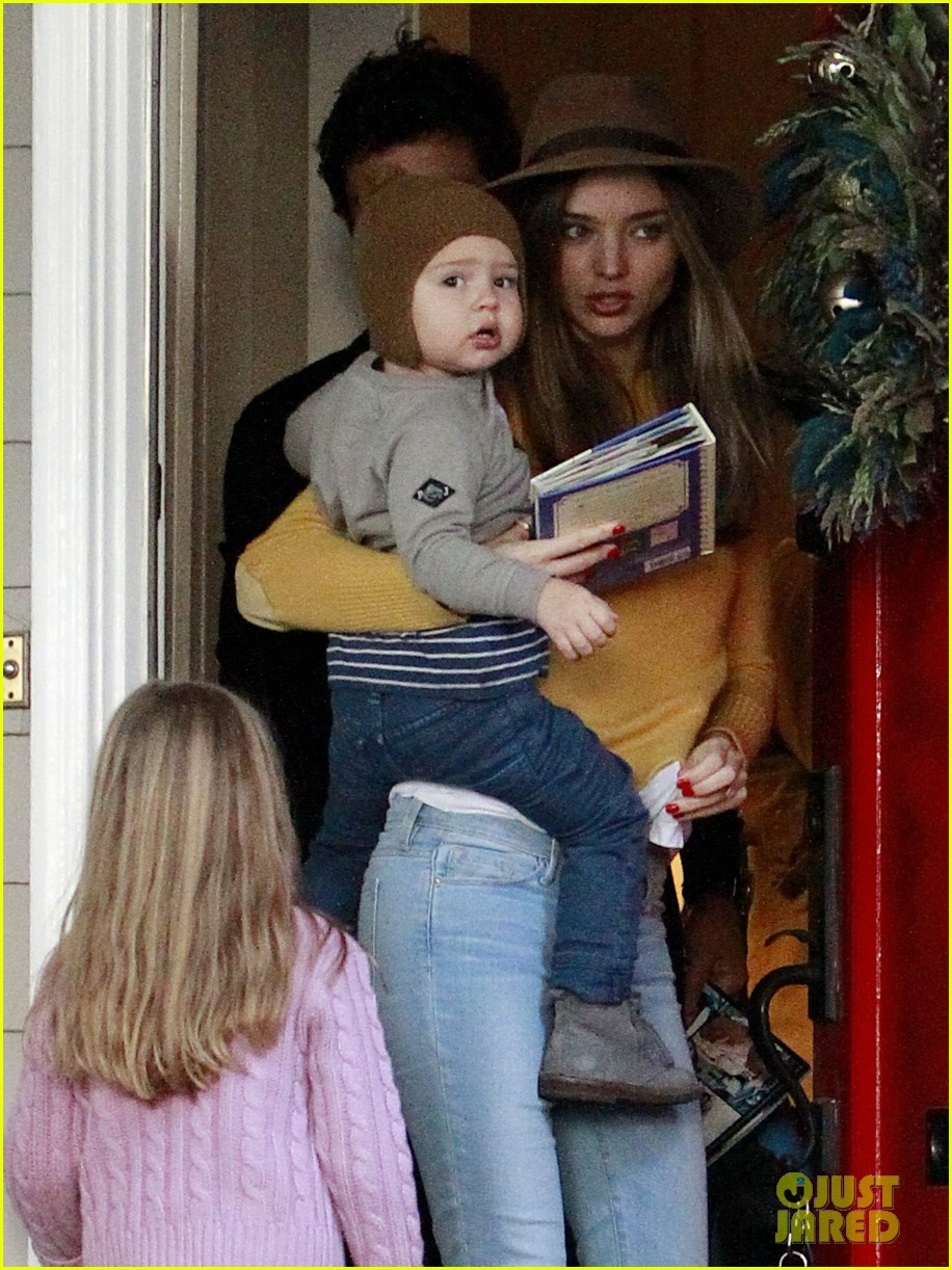 miranda kerr orlando bloom flynn post christmas party 08