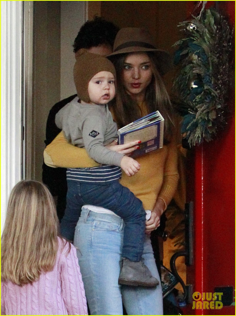 miranda kerr orlando bloom flynn post christmas party 09