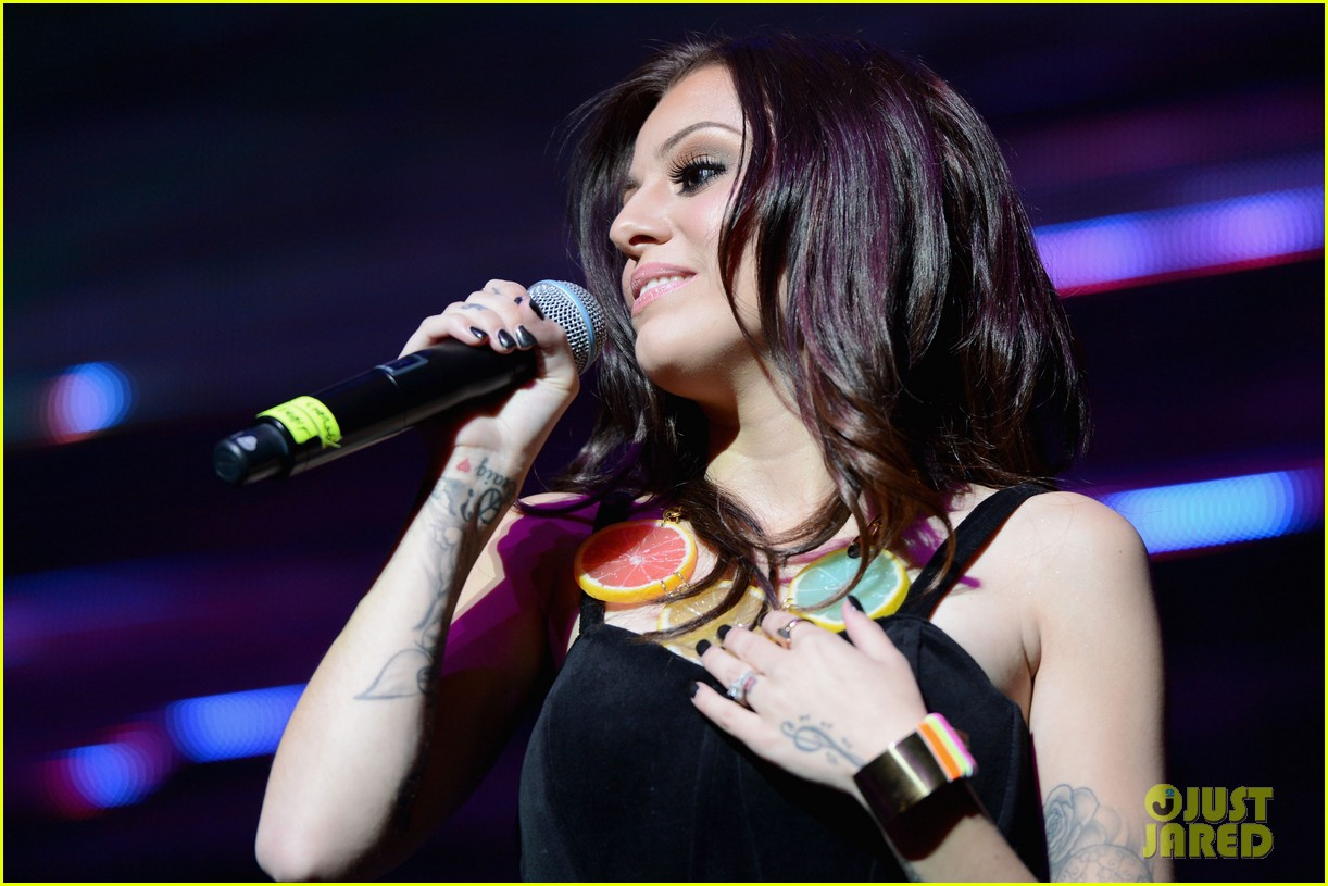 kesha cher lloyd y100 jingle ball 2012 02