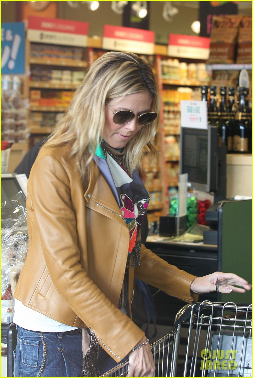 heidi klum martin kirsten grocery shopping with girls 07
