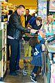 heidi klum martin kirsten grocery shopping with girls 31