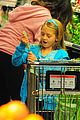heidi klum martin kirsten grocery shopping with girls 35