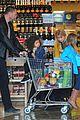 heidi klum martin kirsten grocery shopping with girls 39