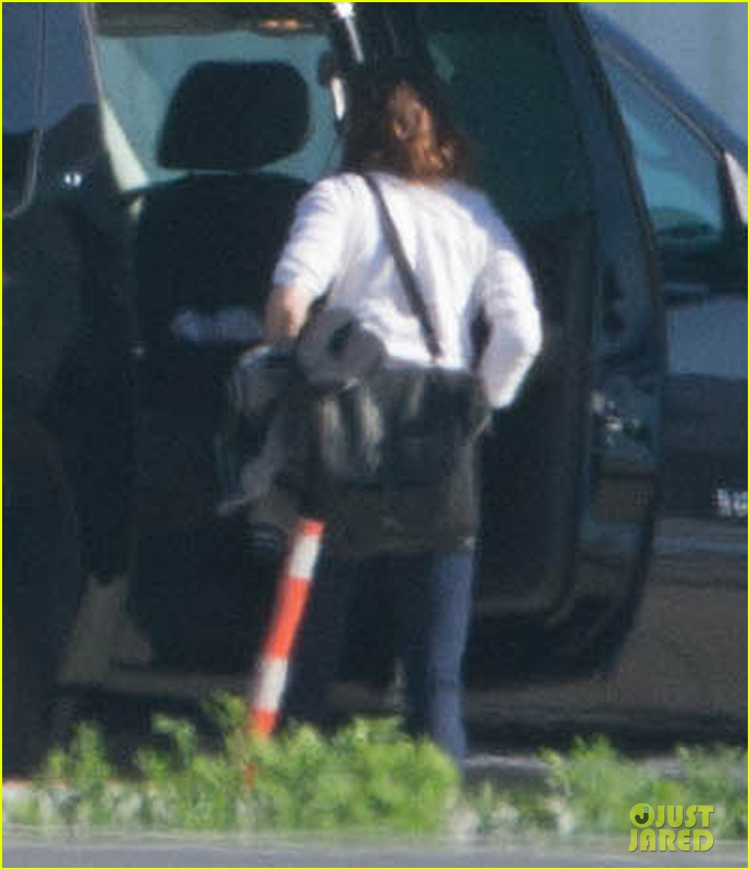 kristen stewart private jet takeoff in los angeles 092774194