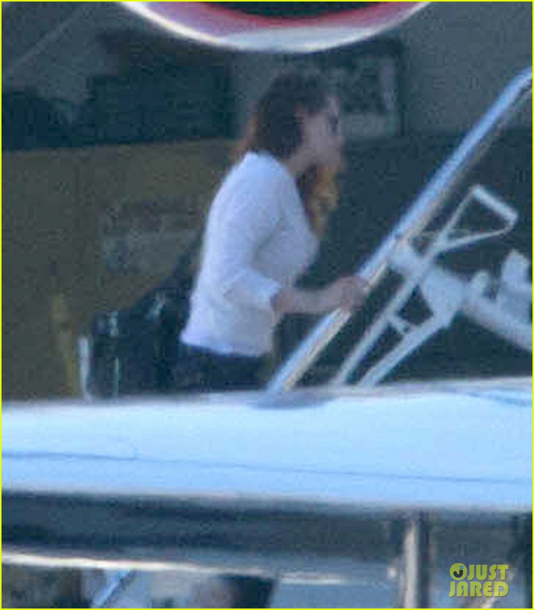 kristen stewart private jet takeoff in los angeles 19