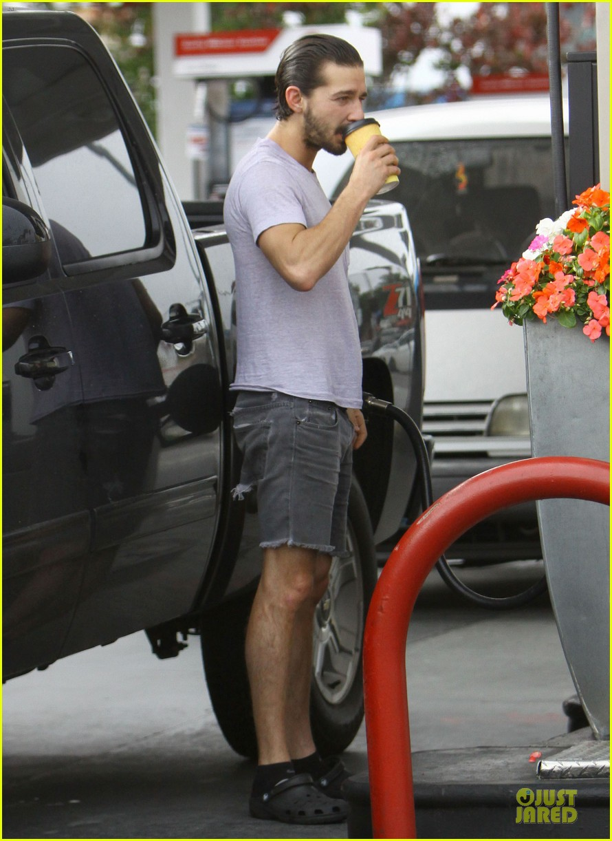shia labeouf clogs gas station in los angeles 032768100