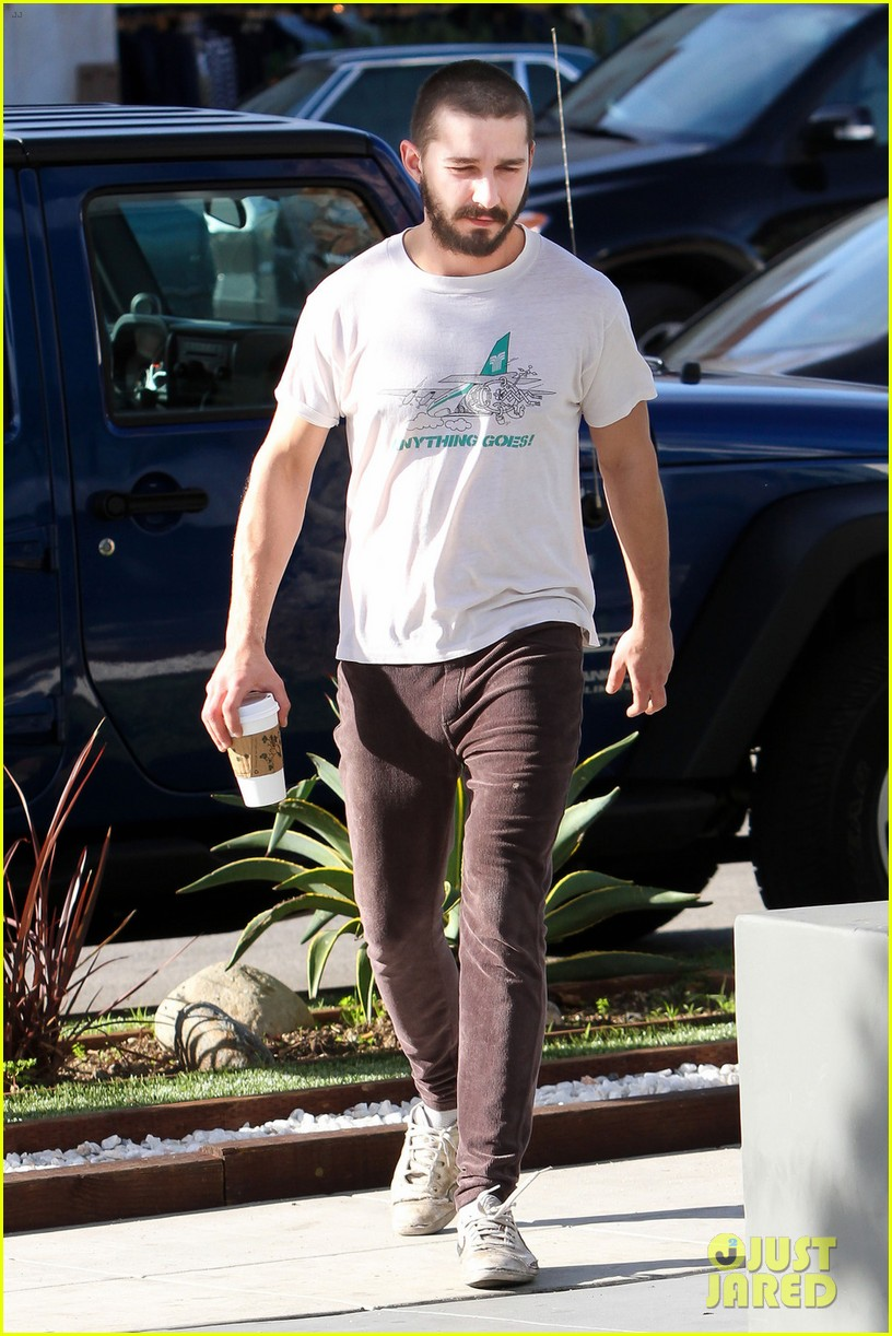 shia labeouf takes mia goth shopping 08