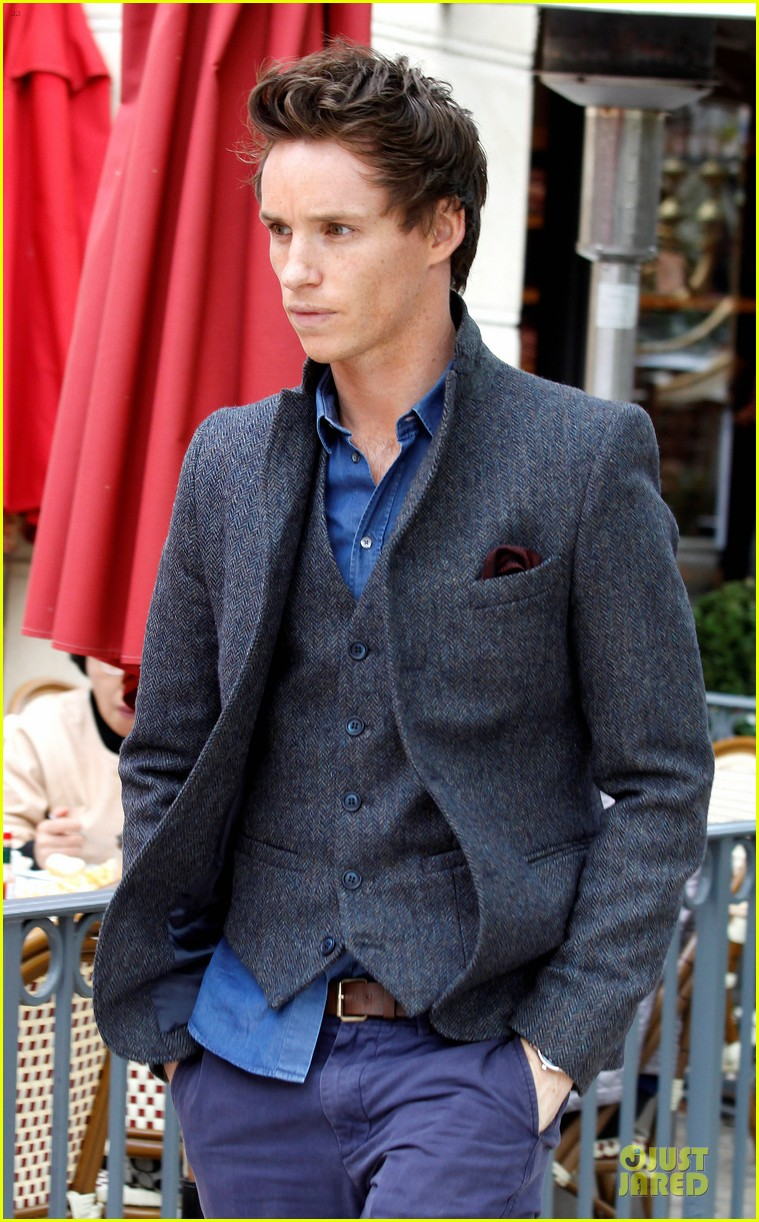 amanda seyfried loves lollipops eddie redmayne in talks to star in jupiter ascending 042777717