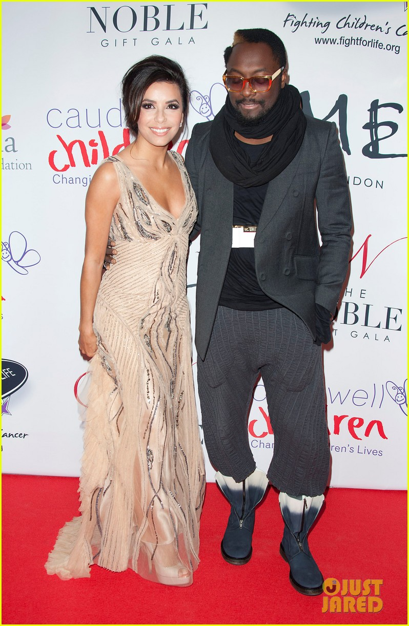 eva longoria noble gift gala with will i am 08