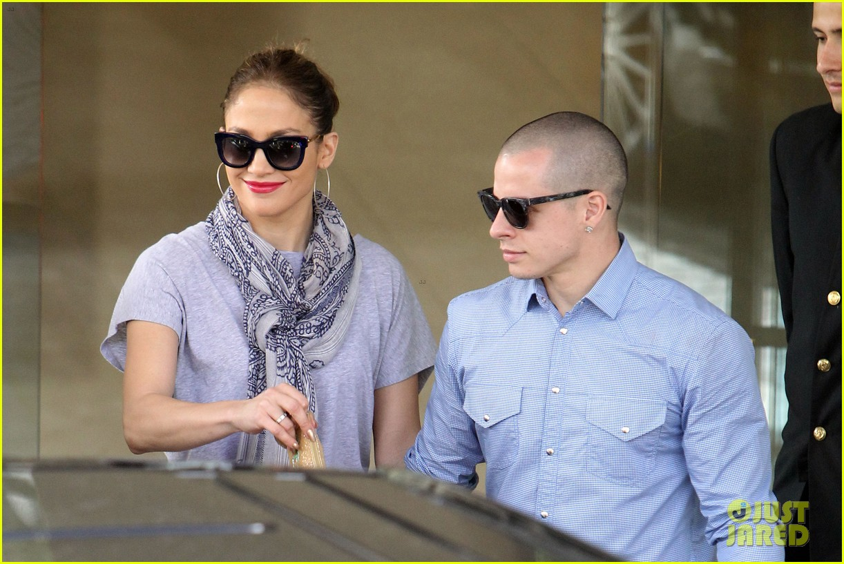 jennifer lopez casper smart australia lovers 092770317