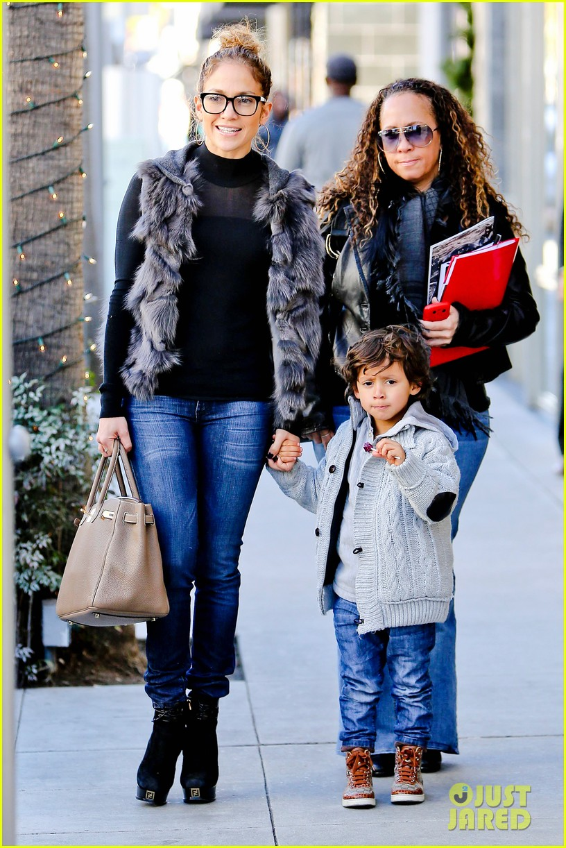 jennifer lopez casper smart beverly hills shopping with the kids 202781486