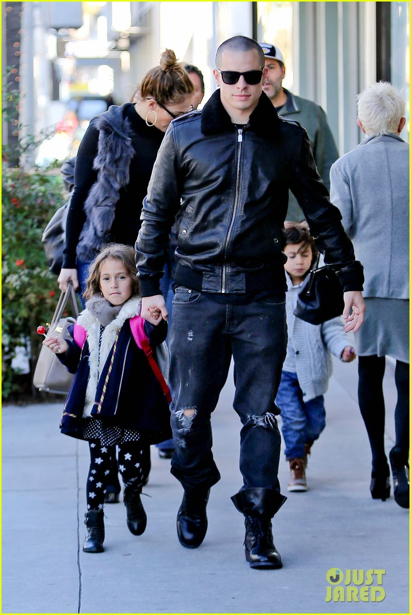 jennifer lopez casper smart beverly hills shopping with the kids 25