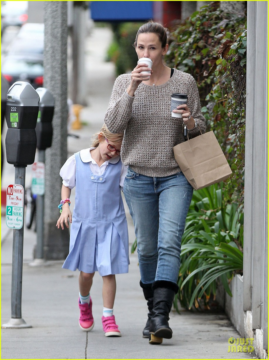 jennifer garner louises dinner with violet 252778131
