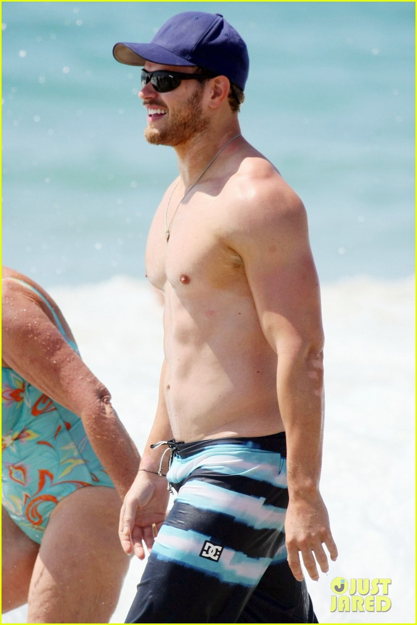 kellan lutz shirtless beach day with sharni vinson 122780299