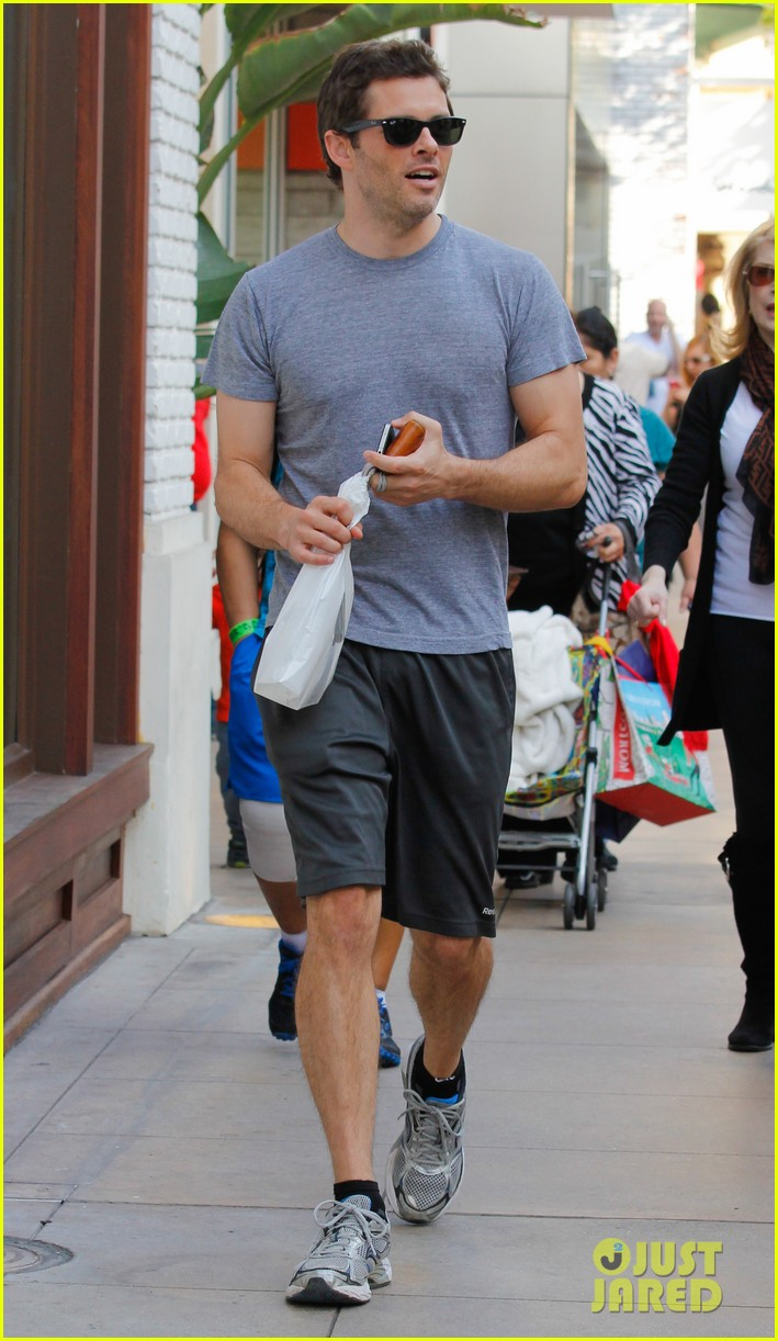 james marsden apple store shopper 04