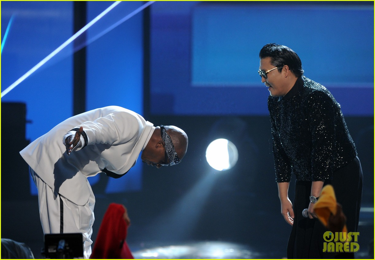 mc hammer to reunite with psy at new years rockin eve exclusive 06