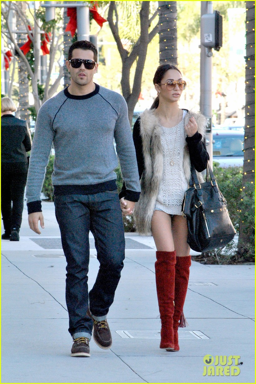 jesse metcalfe cara santana beverly hills lunch lovers 112781723