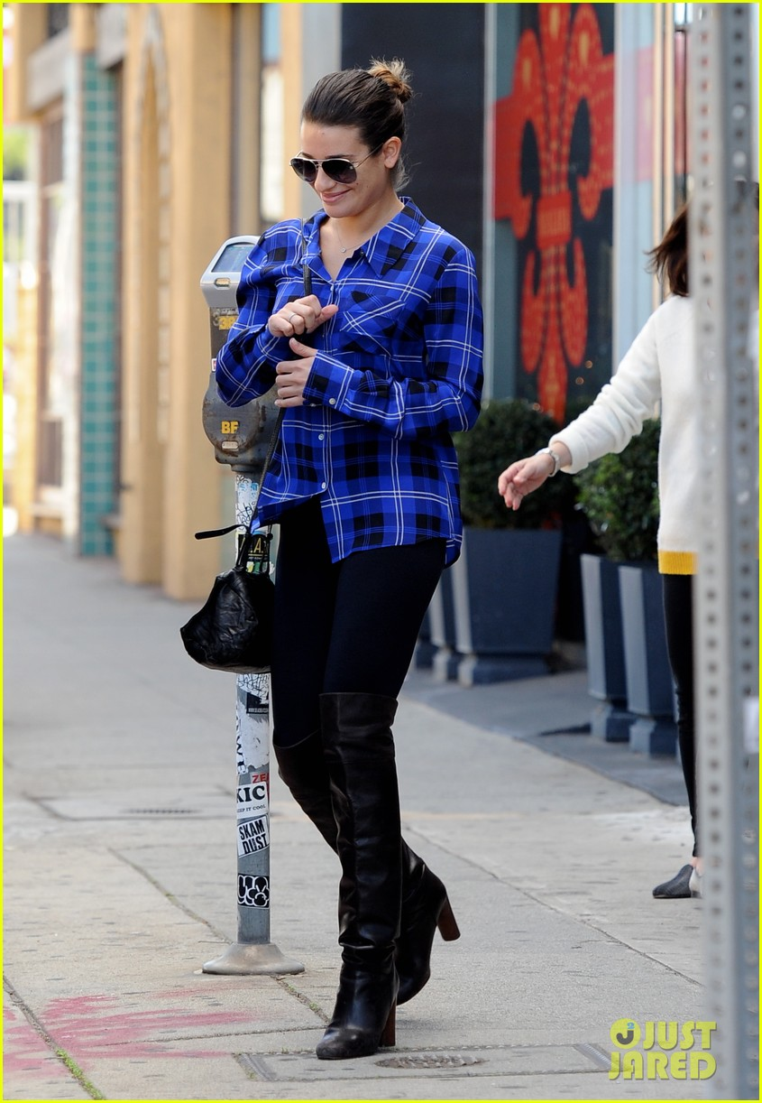 lea michele hair salon with mom edith 01