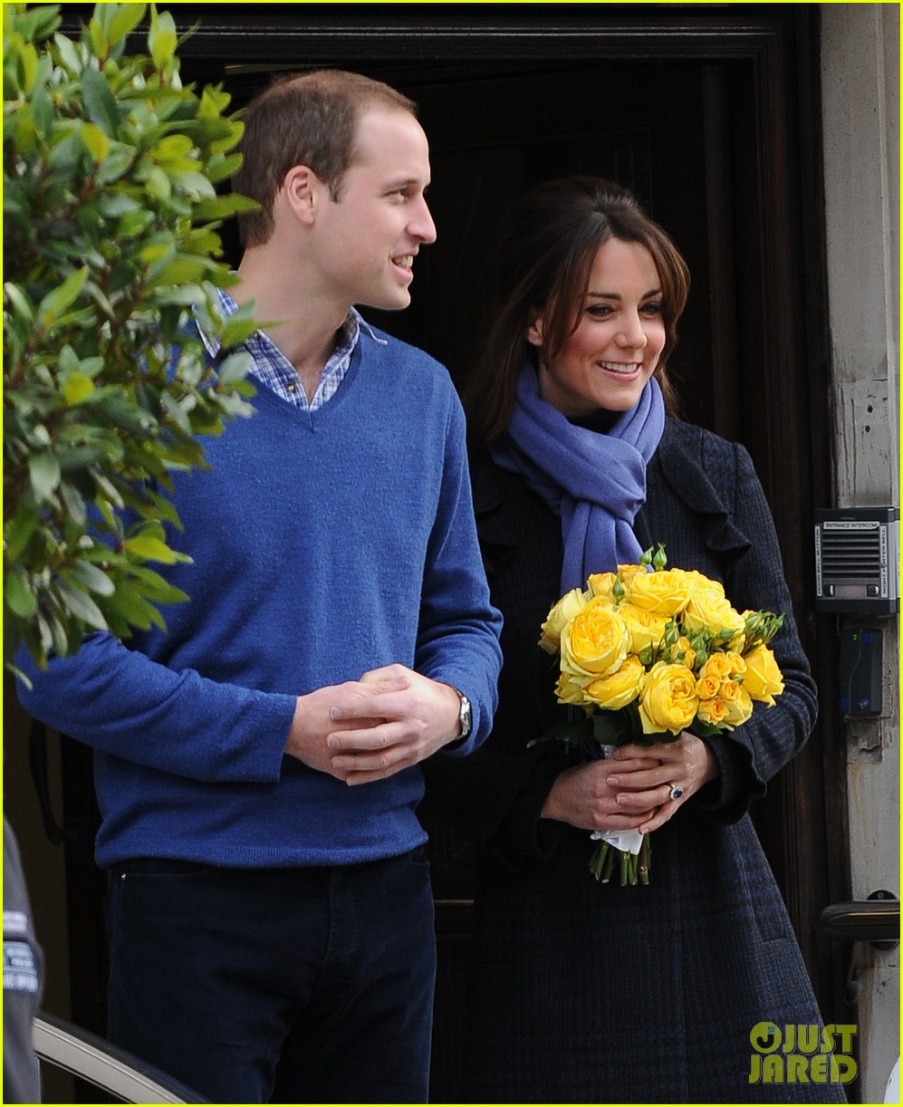 pregnant kate middleton leaves hospital with prince william 05