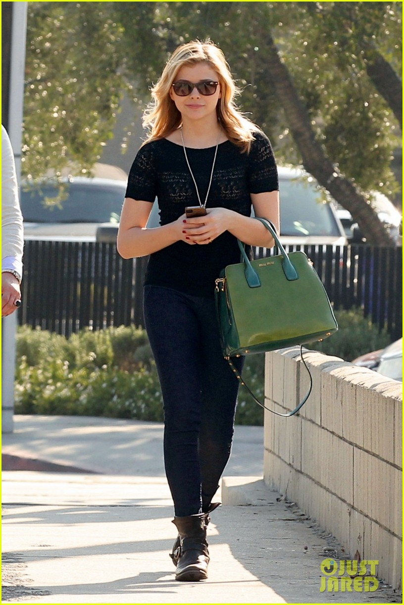 chloe moretz my phone died in the hot tub 09
