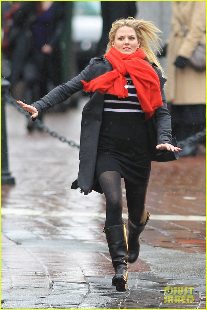 jennifer morrison runs jumps for once upon a time 132775885
