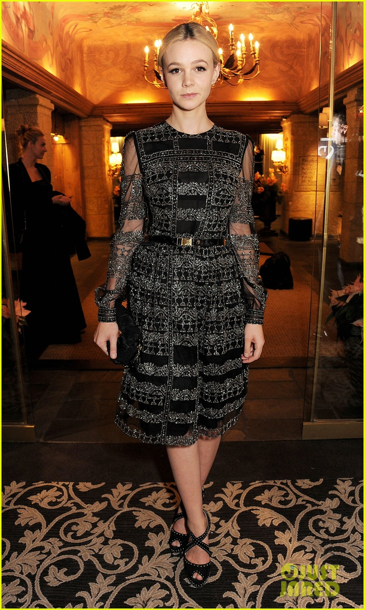 carey mulligan alzheimers society gala dinner 05