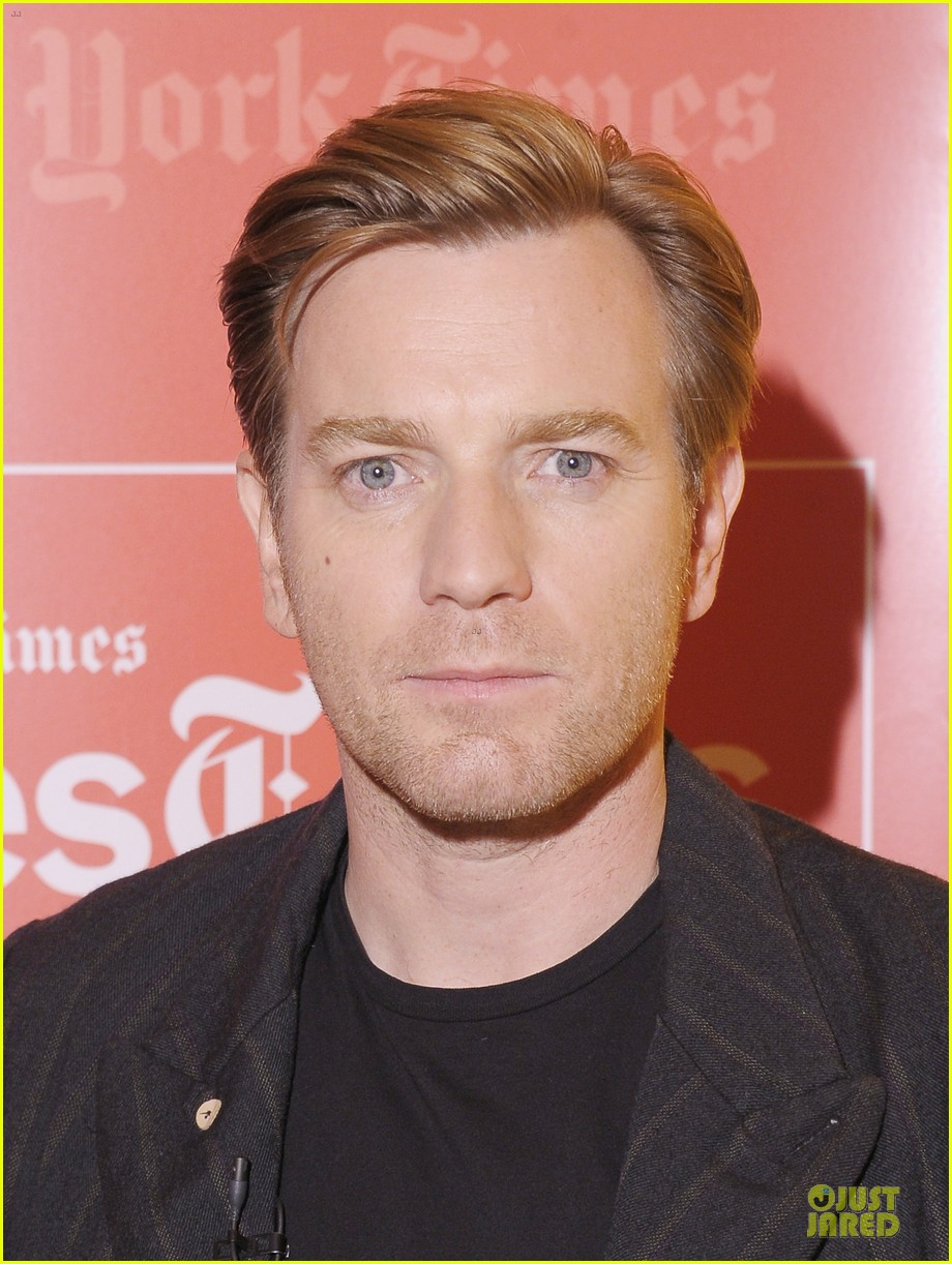 ewan mcgregor thank you for kind words about golden globe nomination 04