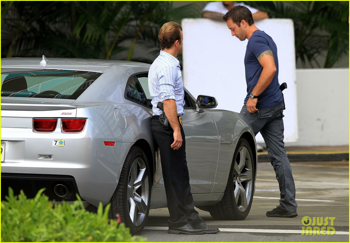alex oloughlin hawaii feels like australia to me 24