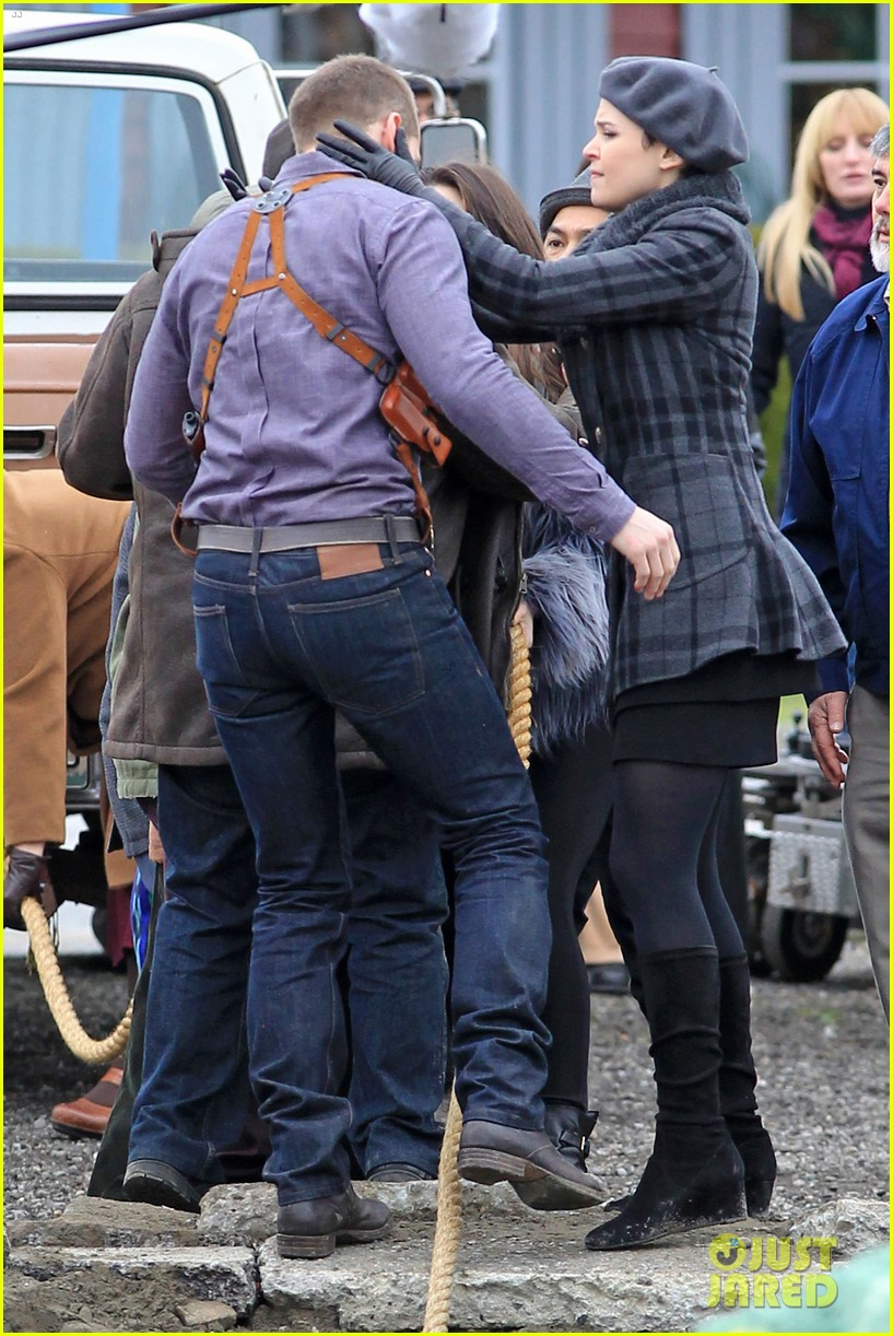 ginnifer goodwin josh dallas kiss set 052774502