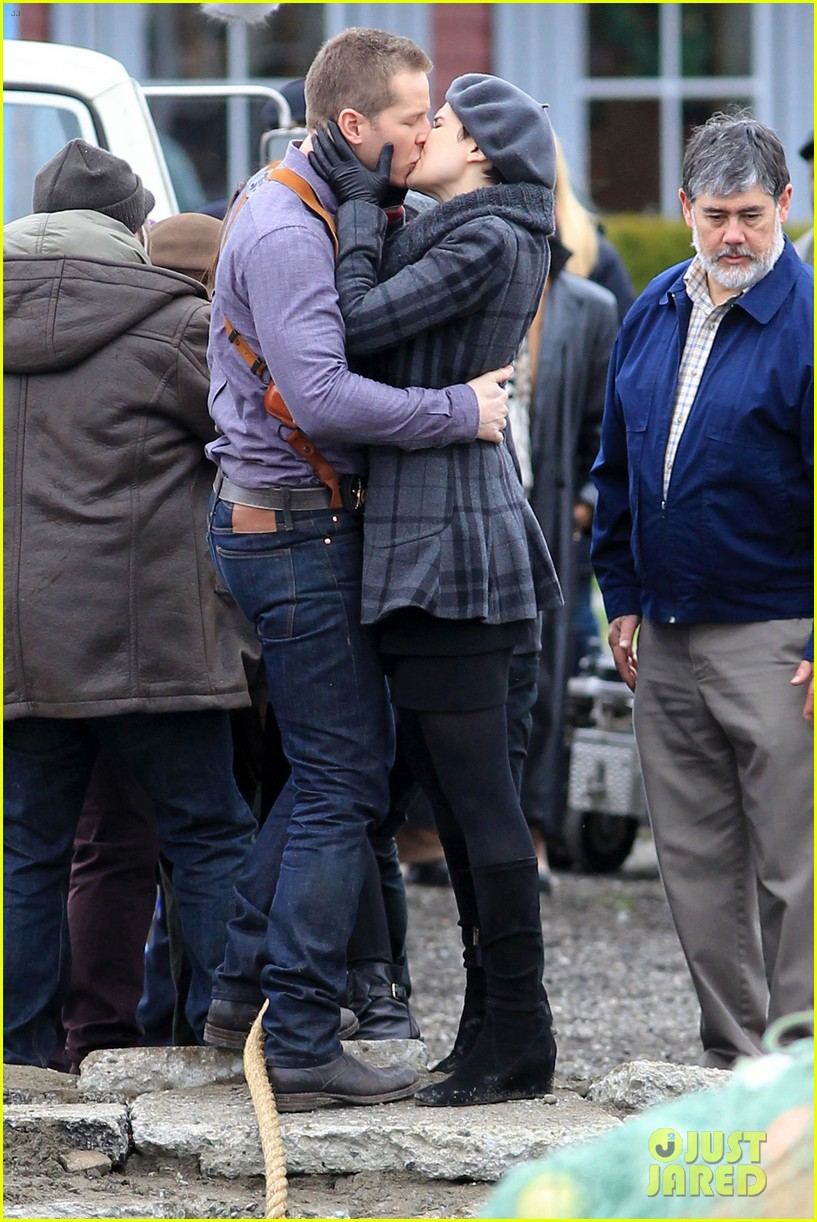 ginnifer goodwin josh dallas kiss set 072774504