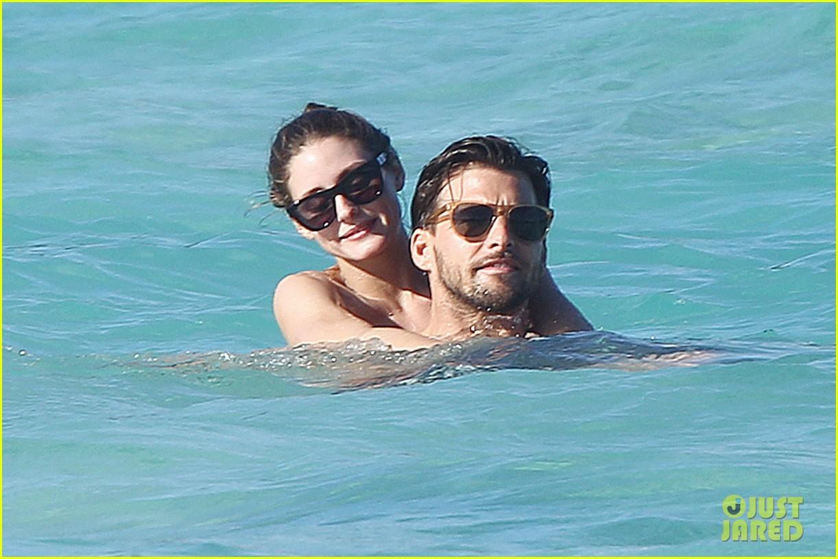 olivia palermo bikini beach with shirtless johannes huebl 162782260